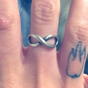 Tiffany & Co. Infinity Ring - Size 6